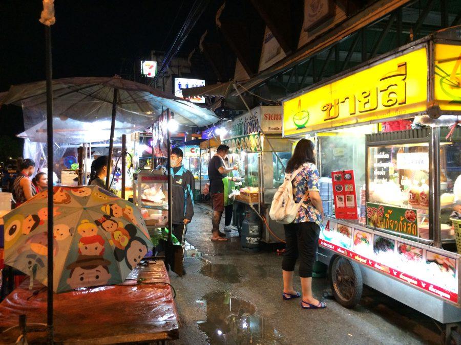bumrung road market